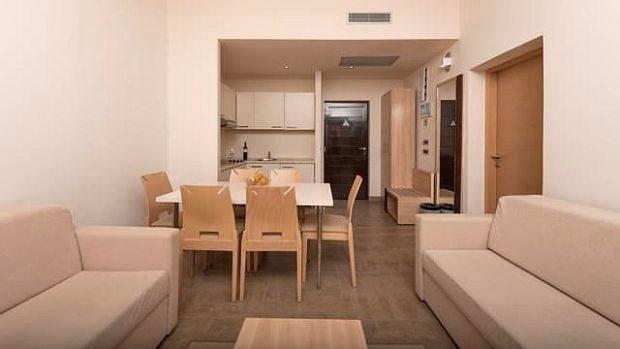 Apartmaji PETALON